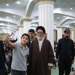 چرا عکس سلفی با یک امام جمعه برای جوانان جذاب میشود