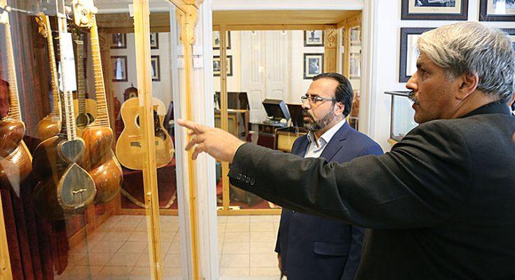 بازدید مدیرکل فرهنگ و ارشاد اسلامی آذربایجانشرقی از موزهی صدا