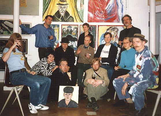 اعضای اولین گروه استاکیسم در نمایشگاه جایزهٔ ترنر واقعی، نگارخانهٔ پیور، لندن (۲۰۰۰)
