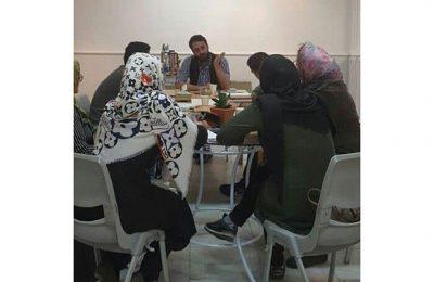 اولین ورکشاپ پنجشنبه یک روز مرگی هنرمندانه در نگارخانه استاد میرعلی تبریزی برگزار شد
