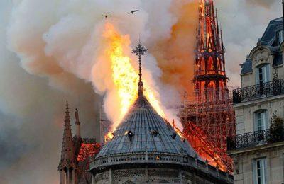 آشنایی با کلیسای نوتردام پاریس تا فاجعه بزرگ آتش سوزی