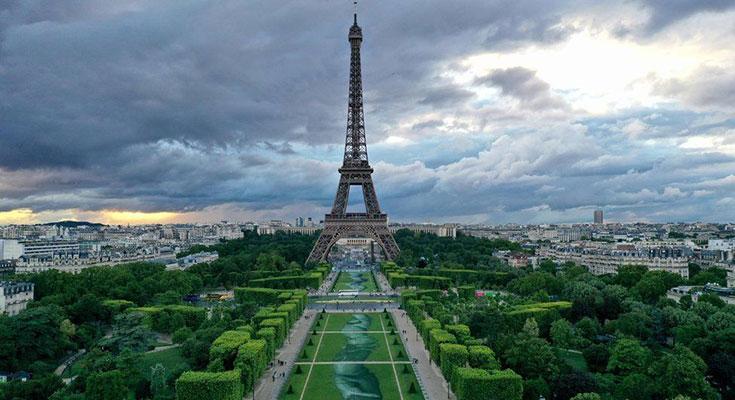 طراحی دستهای به هم پیوسته ۶۰۰ متری در قلب پاریس