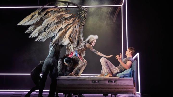 نمایشنامه « فرشتگان در آمریکا » ( Angels in America ) اثر « تونی کوشنر »