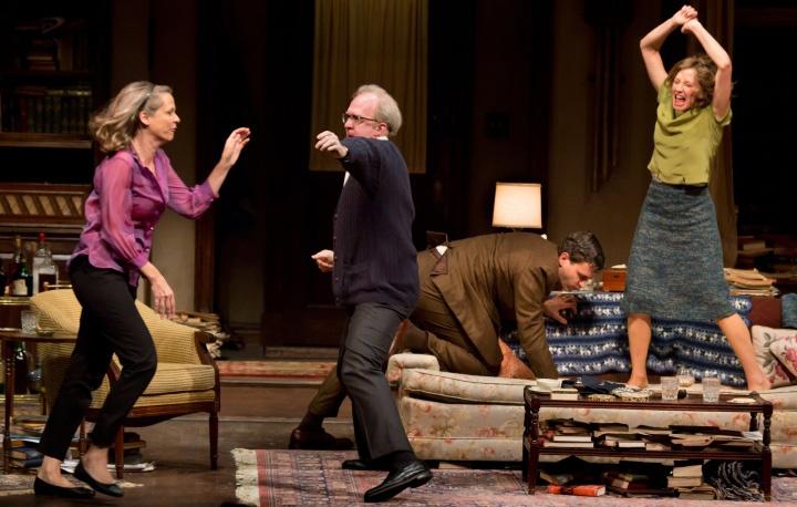 نمایشنامه « چه کسی از ویرجینیا وولف میترسد؟ » ( ?Who's Afraid of Virginia Woolf ) اثر « ادوارد آلبی »